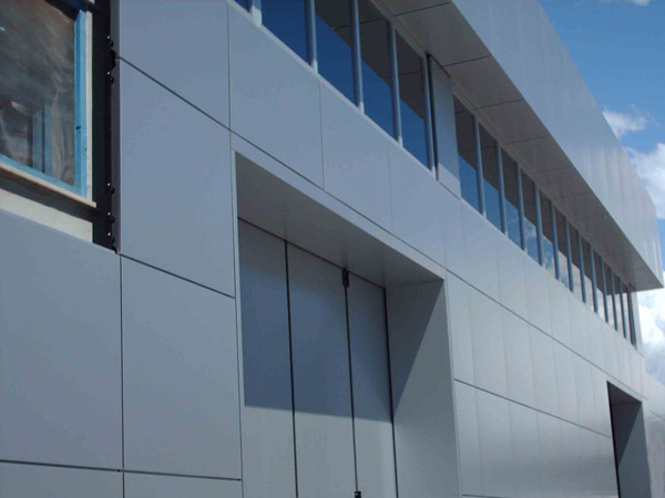 rivestimento-facciata-capannone